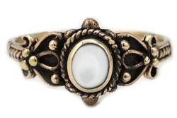 WINDALF Mittelalter Ring SHEELA h: 0.9 cm Perlmutt Edle Bronze (Bronze, 46 (14.6)) von Windalf